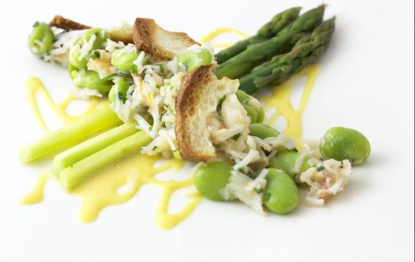 Crab, asparagus,  & vinaigrette with Minus 8