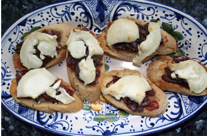 Fig, Caramelized Onions, Minus 8 Vinegar & Goat Cheese Crostini
